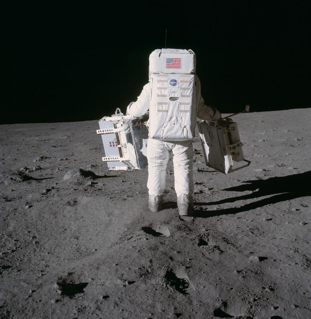 apollo-astronaut-1041.jpg