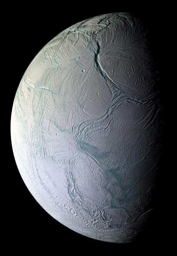 enceladus11_cassini600.jpg