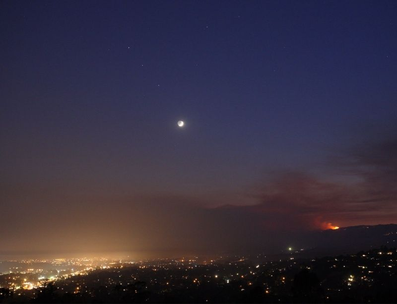 PlanetsMoonFire_zagorodonov_c800.jpg