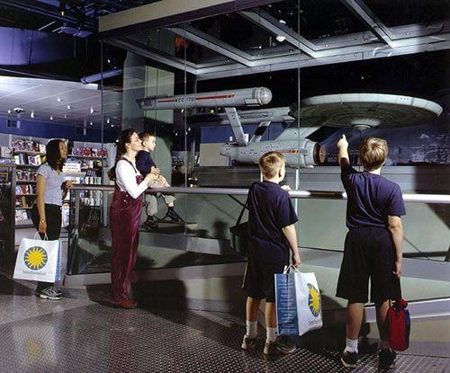star-trek-enterprise-model-smithsonian.jpg