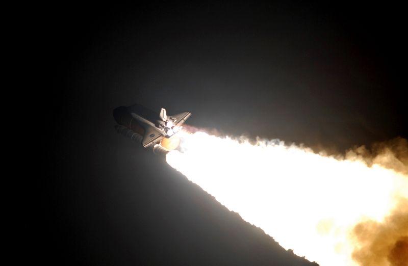 STS123Endeavour_08pd0714_d800.jpg