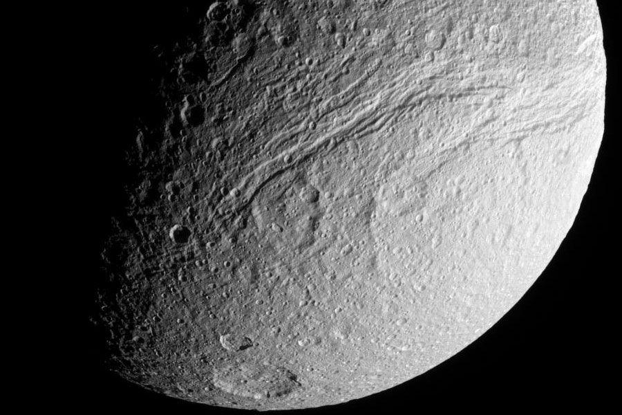 tethys3_cassini.jpg